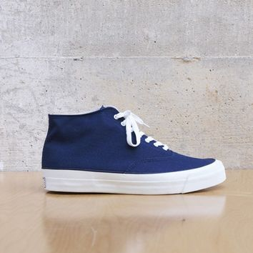 WAKOUWA DECK SHOES HI IN NAVY/WHITE