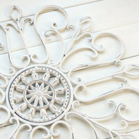 White Chirstmas/ Gift Idea / Wall Decor / Metal Wall Scroll / Outdoor Decor / Wall Medallion / Wall Hanging / Customize Colors