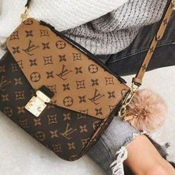 LV Louis Vuitton 2018 new color matching women's retro shoulder bag Messenger bag