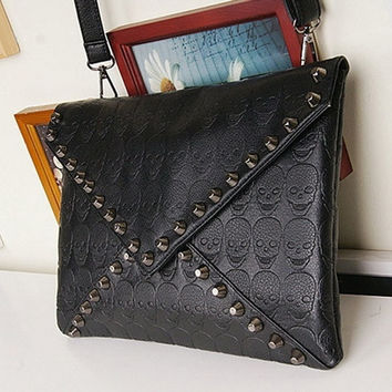 New Fashion Korean Designer Rivet Envelope Single Shoulder Women Bags Skull Clutch Crossbody Punk Brand Handbags BZ870328 (Color: Black) = 1753572612