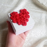 White red ecru wedding rings box roses heart cotton lace vintage custom