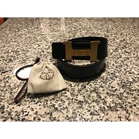 Auth Excellent Black/ chocolate reversible Hermes belt