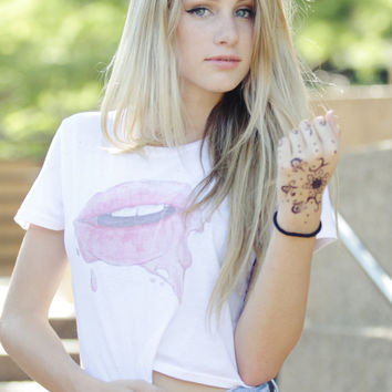 Dripping Lips Graphic Crop Top