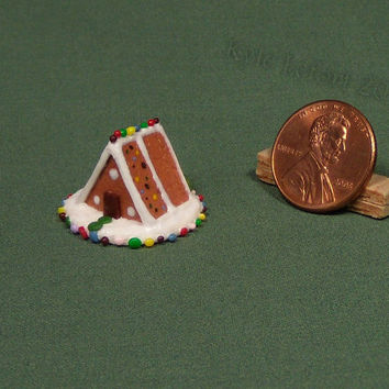 1/12th Or 1/24th Scale Dollhouse Miniature A-Frame Gingerbread House - Candied Segments Roof - 2014 Mini Gingerbread House Series