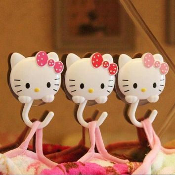 2pcs Hello kitty Sucker Hook Wall Suction Hanger Towel Holder Storage Rack Bathroom Shelves Bathing Accessories 2C