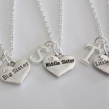 Big Sister Middle Sister Little Sister Necklaces, Set of 3 Necklaces, Heart Necklace, Personalized Necklace, Silver necklace gift