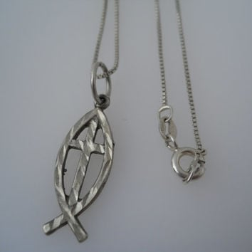 Sterling Silver 925 Christian Fish Cross Necklace Pendant Italy 925 Box Chain 16 in