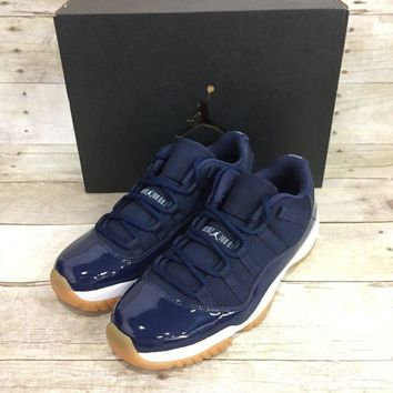 PEAPYN6 Air Jordan 11 Retro Low - NAVY