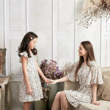 (Set of 2) Flutter Sleeve Floral Dress