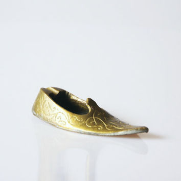 Brass shoe ashtray, Turkish sandal ashtray, miniature shoe ashtray, weird oddity home decor, vintage men shoe decor, retro hipster decor