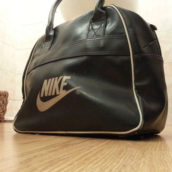 70s/80s Nike sports Bag Gym Bag, Bowler Bag Swoosh Retro Sports Old School Travel Bag Navy