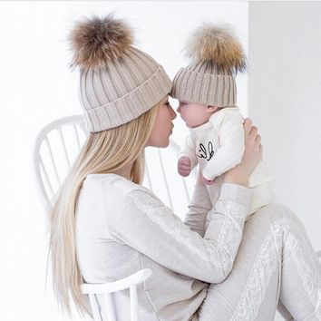 2PCS 2017 New Fashion Mommy and Me Winter Warm Hats Baby Boys Girls Hats Crochet Knit Hairball Beanie Caps