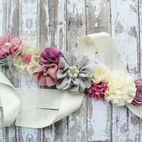 Vintage Maternity Sash, Rose Flower Sash, Ivory Bridal Sash, Baby Shower Sash, Rose Ivory Gray Sash, Gender Reveal, Maternity Photos