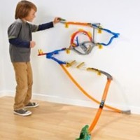 HOT WHEELS WALL TRACKS STARTER SET