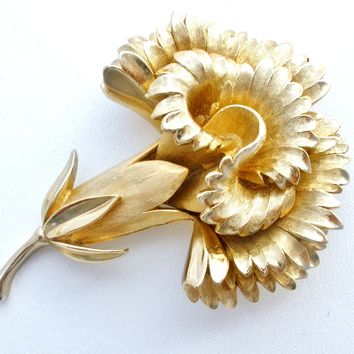 Crown Trifari Carnation Flower Brooch Pin Vintage