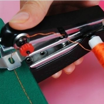 Useful Portable needlework Cordless Mini Hand-Held Clothes Fabrics Sewing Machine [6269775812]