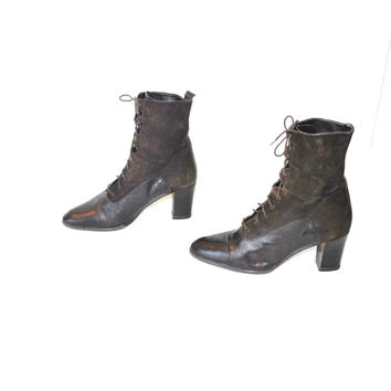 Victorian style lace up boots vintage 80s 90s pointy brown leather + suede platform oxford booties size 9