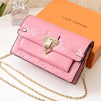 LV 2019 new female embossed letters wild high-end chain bag shoulder bag Pink