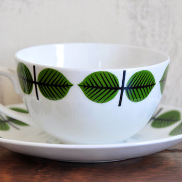 Vintage Gustavsberg Bohus Bersa Teacup by Stig Lindberg Sweden, White Porcelain Cup and Saucer with Mod Green Leaves