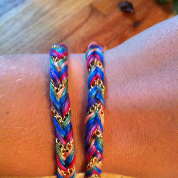 Multicolor String and Gold Chain Fishtail Bracelet