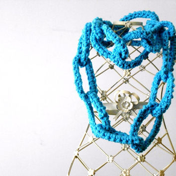 turquoise circle scarf, chain link scarf,chunky crochet scarf, wool necklace