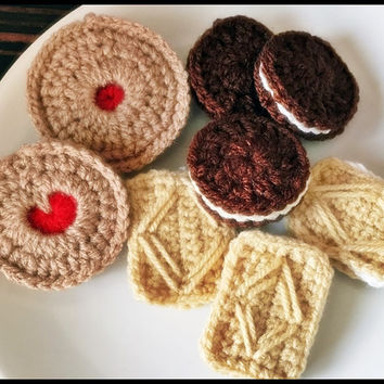 Handmade Biscuit / Cookie Crochet Key Chain/ Bag Charm/ Brooch- Jammy Dodger, Custard Cream, Oreo Cookie.