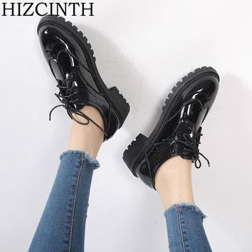 HIZCINTH 2018 Spring Women's Shoes Flats Heel Carve Patent Leather Single Shoes College Wind Vintage Shoes Woman Zapatos Mujer