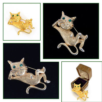 Cool Cat Brooch, Textured Gold Tone Metal, Round Emerald Green Rhinestone Eyes, Vintage Figural Pin, 1960's - 1970's