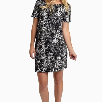 Black-White-Textured-Fitted-Maternity-Dress