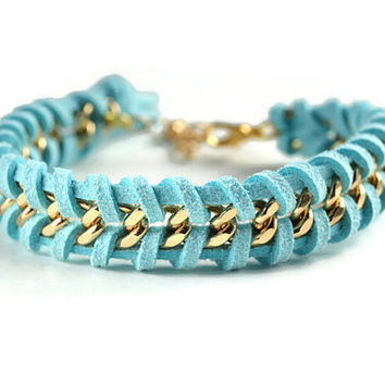 Aqua Blue Woven Gold Chain Bracelet, Blue Suede Woven Through a Gold Chain, Aqua Blue Chain Bracelet, Chevron Chain Bracelet