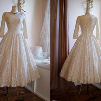 Vintage 50s Poland Style Scoop Neck Long Sleeves Tea Length Lace Ivory Wedding Dresses A Line Wedding Gowns