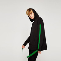 CONTRASTING SWEATSHIRT WITH RIBBONSDETAILS