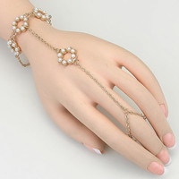 Simple Daisy Buchanan Pearl Wedding Bracelet 1920's The Great Gatsby Inspired Bracelet Crystal Finger Ring Hand Chain Bracelet - G