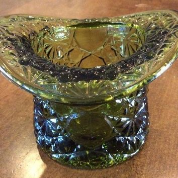 VINTAGE GREEN DAISY BUTTON COIN TOP HAT PRESSED GLASS PLANTER TOOTHPICK HOLDER