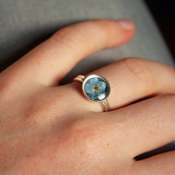 Pressed forget me not ring 925 Sterling Silver Resin ring Gift idea for her Real flower Botanical ring Nature ring Silver myosotis ring
