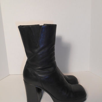 Vintage womens  90s Chunky Heel boots Black leather Rave Club Kid Grunge Size 7 US