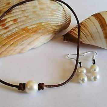 Single Freshwater Pearl Choker on Organic AA Leather and Earring gift set!