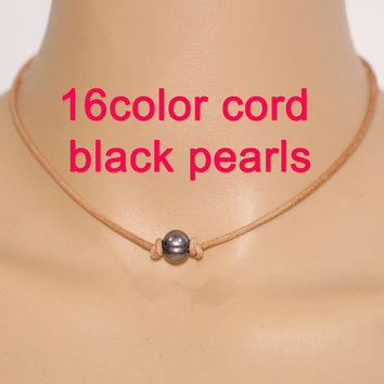 Pearl and leather necklace,black pearl necklace,single pearl necklace,leather pearl necklace,freshwater pearl necklace,pearl leather choker