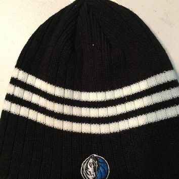 ESBONC. BRAND NEW DALLAS MAVERICKS NBA KNIT HAT SHIPPING