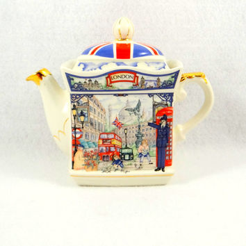James Sadler Piccadilly Teapot from the London Heritage Collection