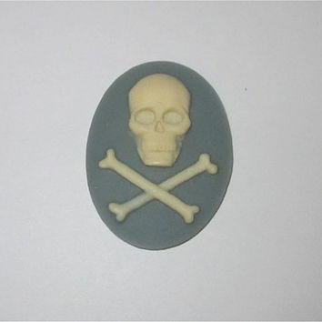30x40 Grey Skull Crossbones Cameo Setting Resin Cabochon Gray Ivory Death Undead Steampunk Jewelry Making Supplies