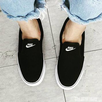 NIKE Casual Flats Classic Canvas Leisure Shoes Black B