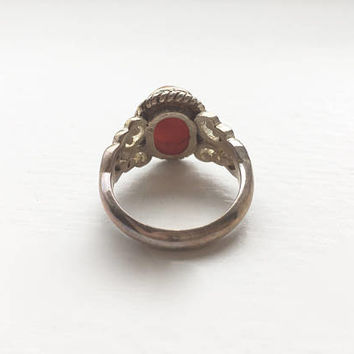 Vintage Oval Cabochon Coral Stone Ring in Sterling Silver Filigree Setting
