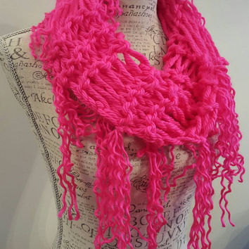 Knit Ramen Cowl. Neon pink scarf.  Made by Bead Gs on ETSY. Infinity scarf.