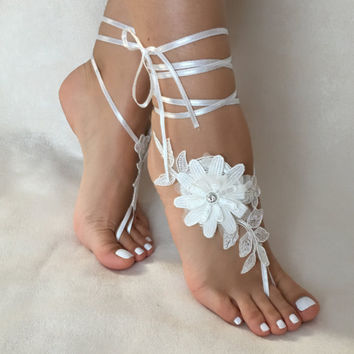 Ivory 3D floral  lace barefoot sandals, FREE SHIP, beach wedding barefoot sandals, belly dance, lace shoes, bridesmaid gift, beach shoes