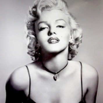Marilyn Monroe (Portrait, B&W) Glossy Movie Photo Photograph Print Photo at AllPosters.com