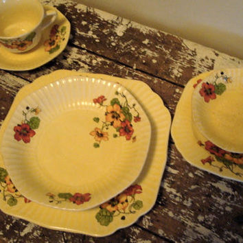 Vintage Dinner Plates Antique Set 1931 by VintageShoppingSpree