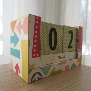 Perpetual Wooden Block Calendar - Directional Arrows