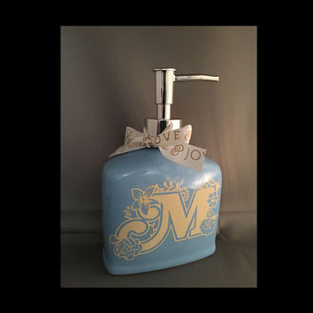 Soap Dispenser ~ Blue Pump Seifenspender ~ Bathroom Decor ~ Original Gift for Mom, Teacher, hostess gift idea, Housewarming, Wedding Shower