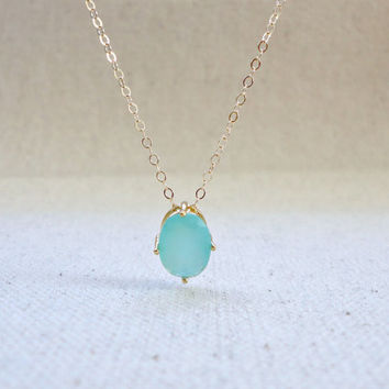 Green stone solitaire necklace, Mint green oval stone necklace, Wedding jewelry, Bridesmaid necklace, simple everyday necklace